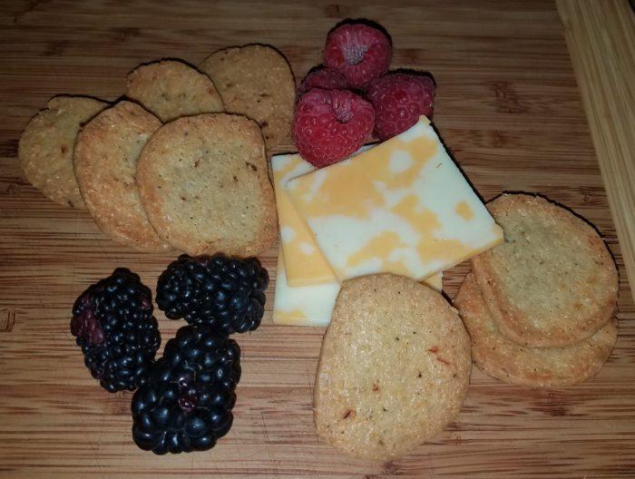 Einkorn Cheese Crackers
